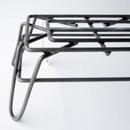 ワイヤー踏み台。WIRE STEP STOOL / PUEBCO