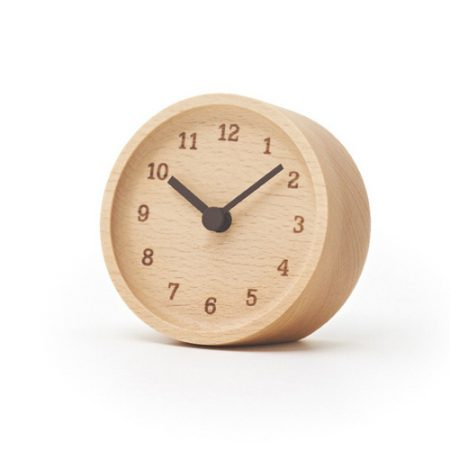 一面木目。Lemnos MUKU desk clock